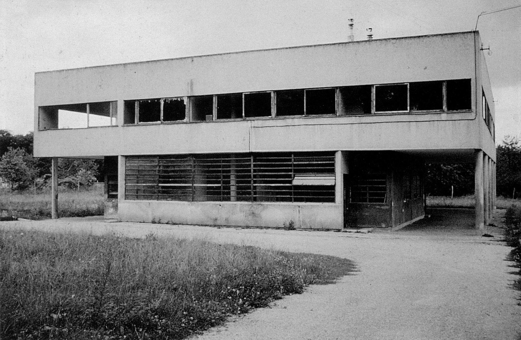 THE BUILDING - Villa Savoye - Le Corbusier